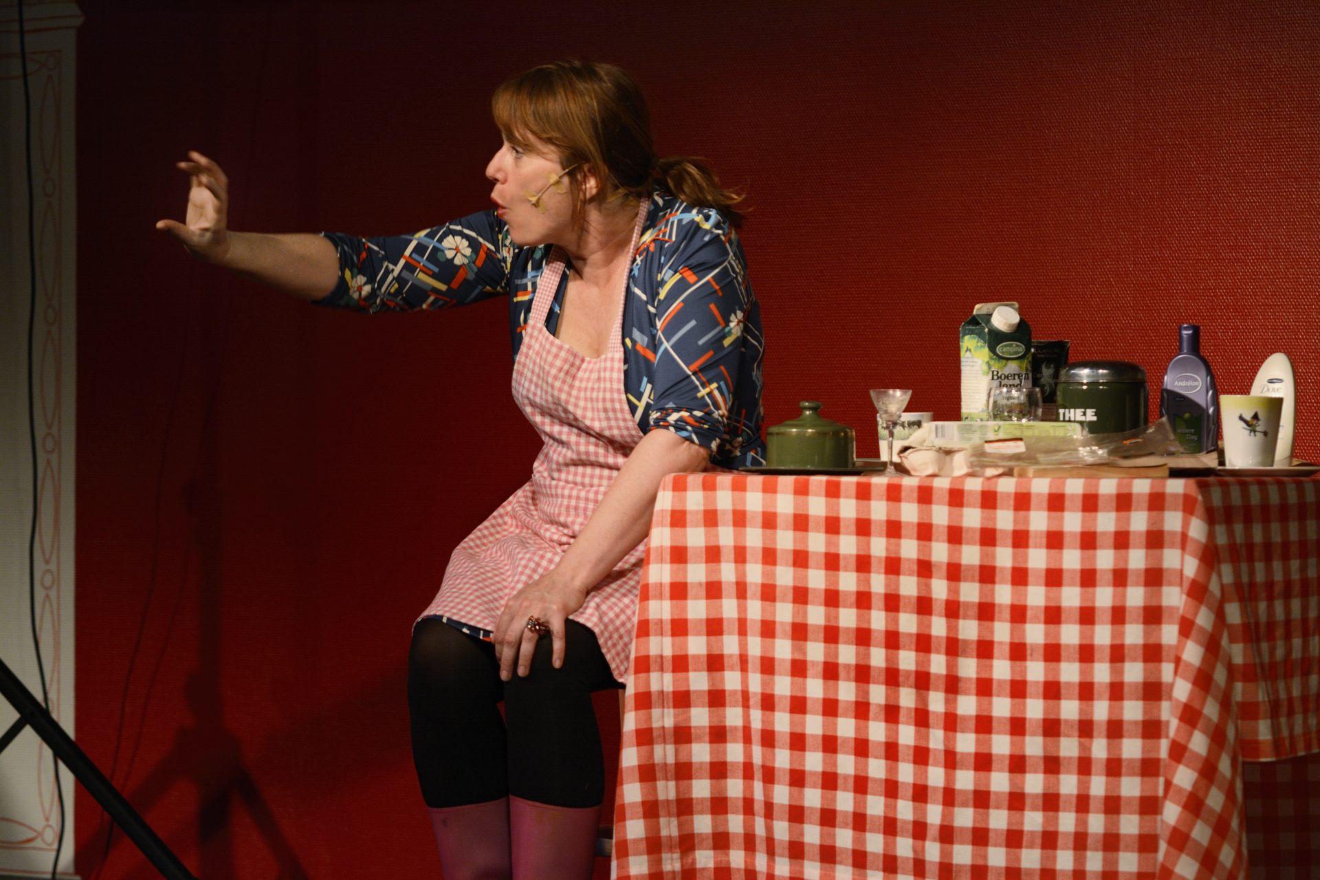 Cabaret van Irene van der Aart - De boer op, in het Maashaventheater