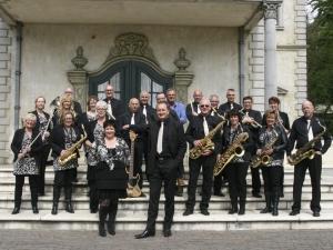 Voetjes van de vloer met Delfts Dansorkest
